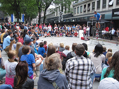 Entertainer near from Quincy Market in Boston