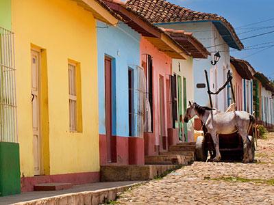 Rangée de maisons colorées à Trinidad à Cuba